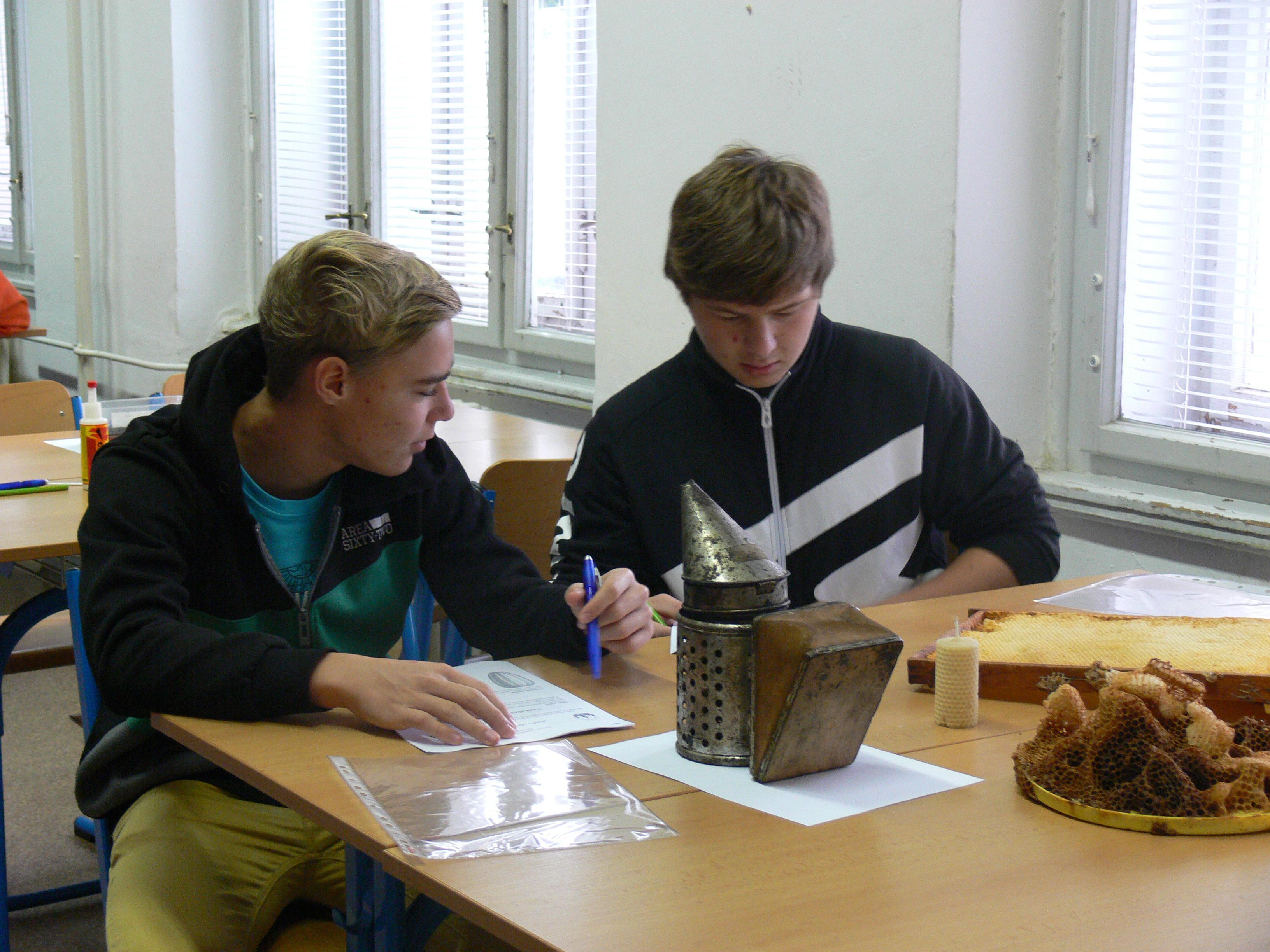 Kroužek Včelař – středisko Čáslav, žáci Základní školy Čáslav
